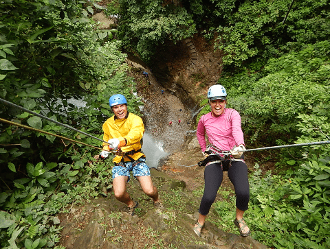 Pure-Trek-Canyoning-rappeling