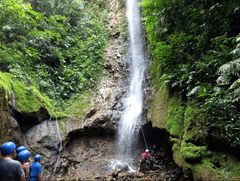 Pure-Trek-Canyoning-rappeling-waterfalls