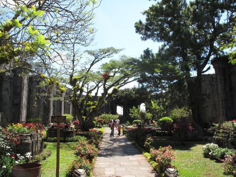 las-ruinas-garden